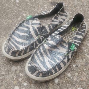Sanuk I'm Game Zebra Print Slip On Water Shoes 6